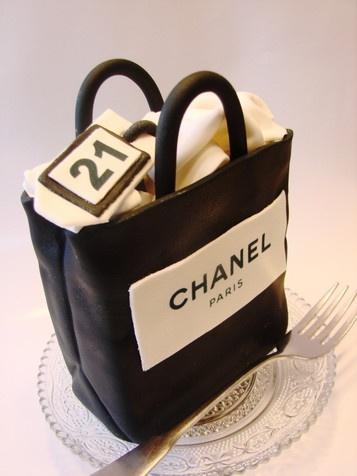 @Kathleen DeCosmo ❤ #Cakes ❤♥ ❥ #Chanel Cake
