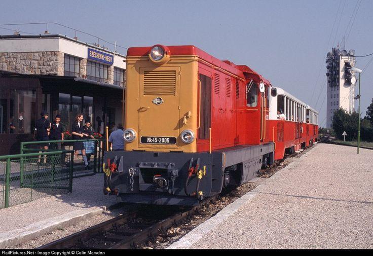 Budapest Childrens (Pioneer) Railway, 17.00 to Huvosvolgy