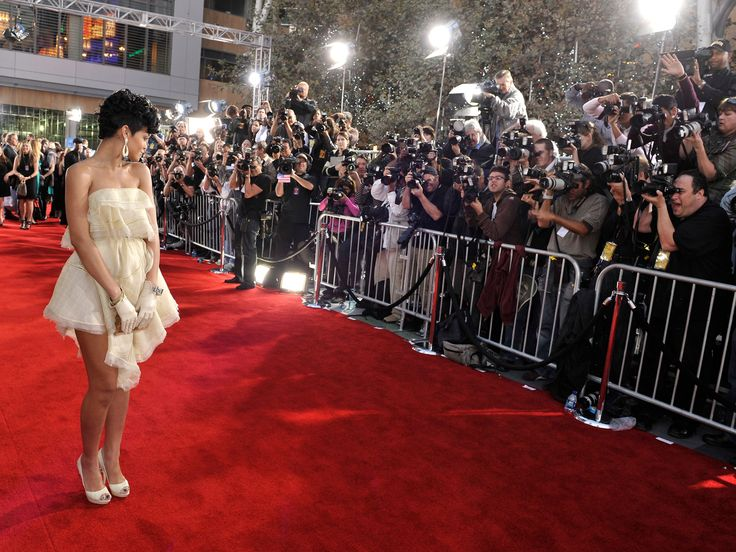 2008 American Music Awards - Red Carpet Rihanna   Hollywood Hiccups
