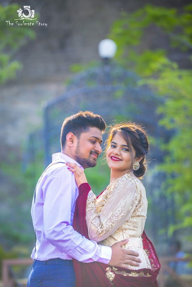 Photo 45 From Ravi Solanki Kinjal Panchamia Portfolio Album Indian Wedding Couple Photography Pre Wedding Photoshoot Outdoor Indian Wedding Photography