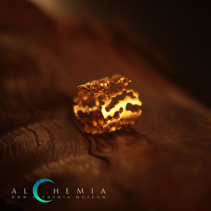 The Bark ring. Gilded silver. Handmade by Alchemia Jewellery.
