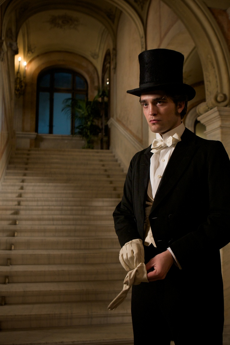 UHQ of Bel Ami Still   dashing, dapper, and above all...doable