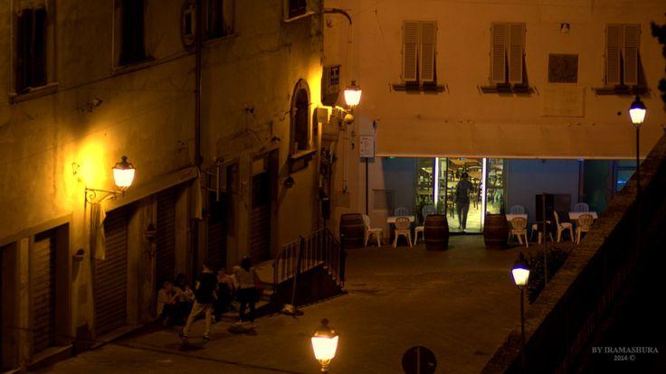 CITY IN THE NIGHT by iramashura 2014, CERRETO GUIDI, TOSCANA, ITALIA