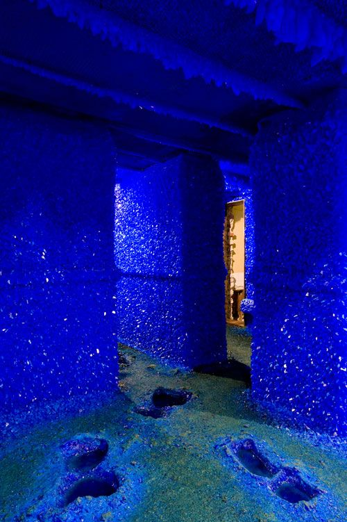 """Roger Hiorns """"Seizure"""" 2008, copper sulfate crystals on every empty space in a derelict bedsit in South London. How beautiful is this? 12/03/12"""