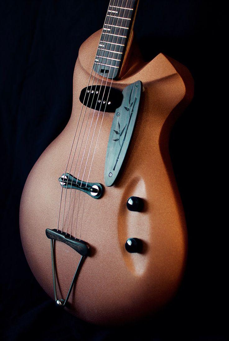 alquier luthier fabricant de guitares electriques et acoustiques                                                                                                                                                                                 Plus