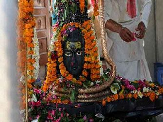 #ShravanMonth 2016 starts in north india from July 20 to September 1 2016, read all related articles to #Shiva at #sawan month special page.