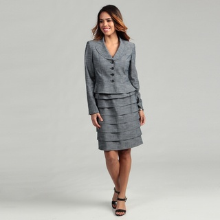 @Overstock.com - Chic style meets comfort in the blue skirt suit for women by Nine West. This modern skirt suit features a simplistic button down top with a ruffled bottom for extra flair. This skirt suit features a comfortable elastic waist and a pullover design.http://www.overstock.com/Clothing-Shoes/Nine-West-Womens-Slate-Blue-4-button-Skirt-Suit/6537381/product.html?CID=214117 $76.99