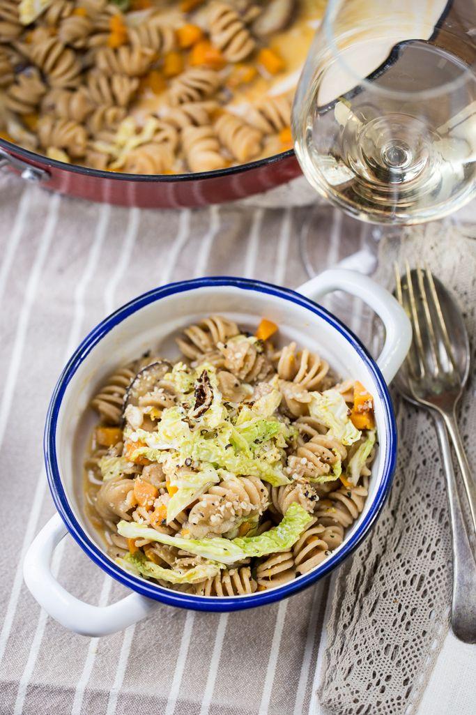 Pasta risottata con zucca e funghi shiitake - ricetta e video - Vegano Gourmand