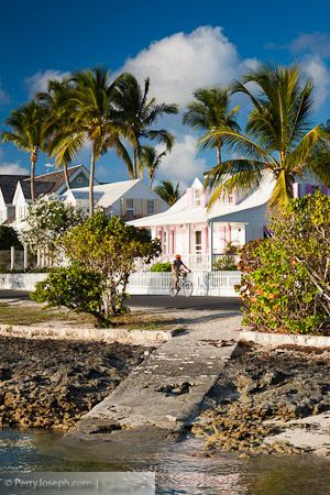 Rush hour in Dunmore Town on Harbour #Island #Bahamas
