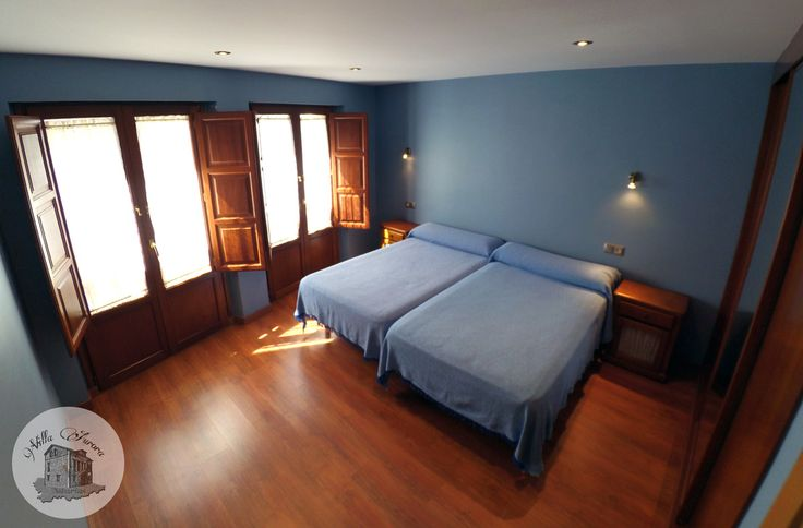 HABITACIÓN 💤 AZUL 💙 (Equipada con 2 camas de 1,10m y armario empotrado)