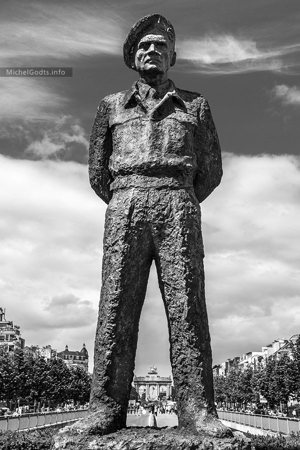 Field Marshal Montgomery | Fine art B&W public art photography print for sale | By Michel Godts — A monumental bronze sculpture by Oscar Nemon commemorates the liberation of Brussels on September 3, 1944. (Belgium, May 2014) — Wall art decor gift options: black and white, urban, contemporary, modern, eclectic, home, office