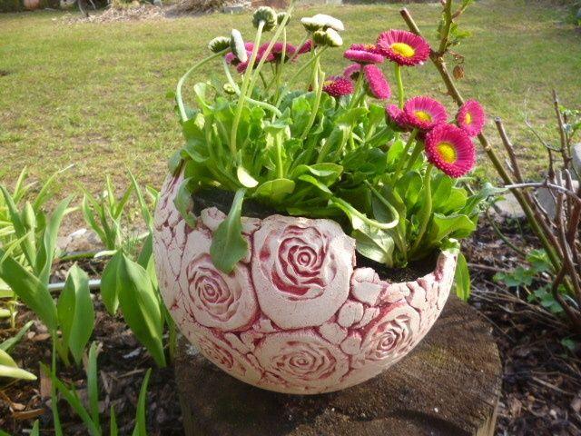 bildergebnis für keramik garten kugel  pflanzen