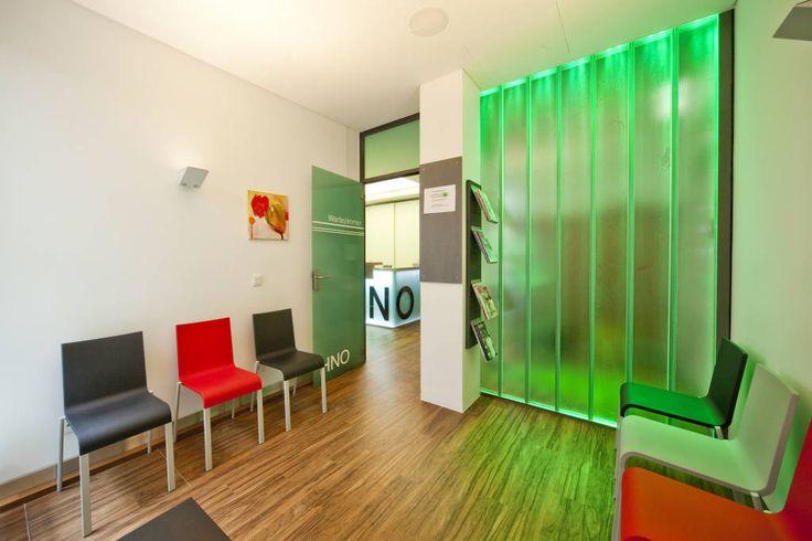 Wartebereich Patienten (von Knychalla + Team, Architektur + Freiraum)
