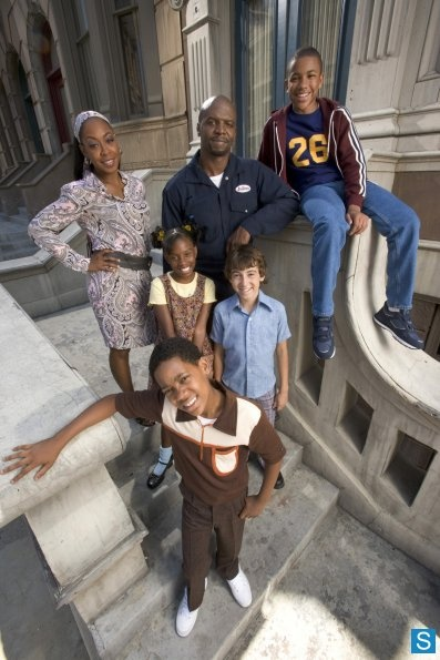 Photos - .Misc/Archived/Old Shows - Everybody Hates Chris - season_1 - EVERYBODY HATES CHRIS