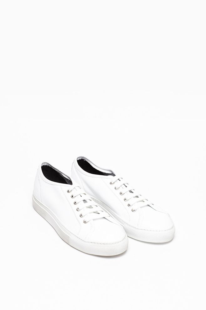Style - Minimal + Classic : [ common projects ]: tournament low