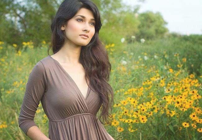 Shakib Al Hasan Wife Picture