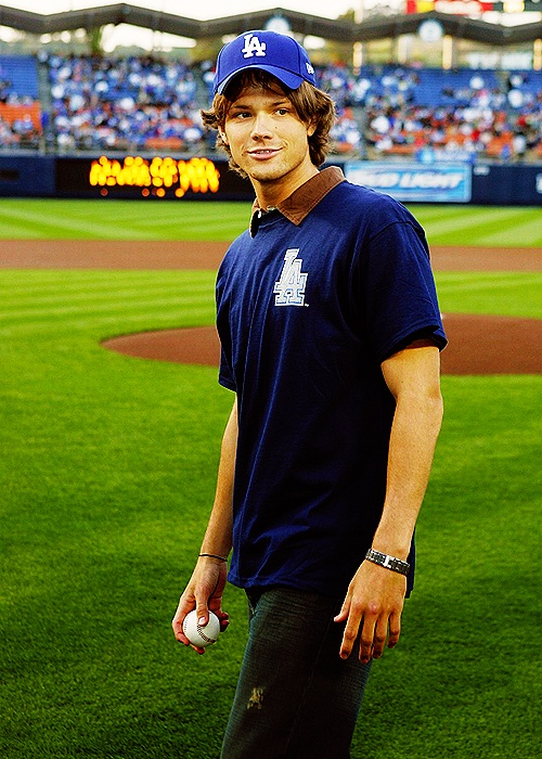 Arizona Diamondbacks vs Los Angeles Dodgers - April 25, 2005 Caption:Actor Jared Padalecki, from the upcoming movie 'House of Wax' throws out the first ball prior to Los Angeles Dodgers vs Arizona Diamondbacks Monday, April 25, 2005 at Dodger Stadium in Los Angeles, California.