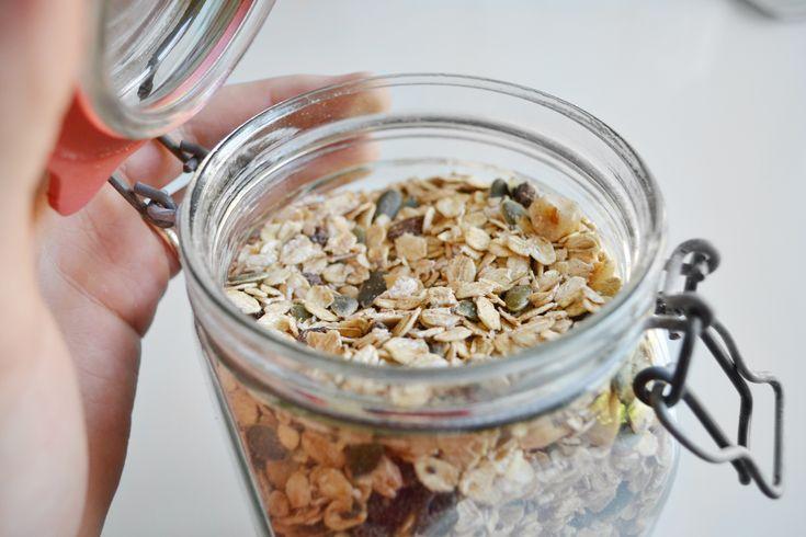 Fruit & Nut Muesli http://healthyjon.com/fruit-nut-healthy-muesli-recipe-raw-vegan?utm_campaign=coschedule&utm_source=pinterest&utm_medium=HealthyJon&utm_content=Fruit%20and%20Nut%20Muesli