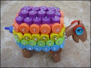 linguagens no varal: Lixo que Vira Bicho: Tartaruga feita de tampas de garrafa PET