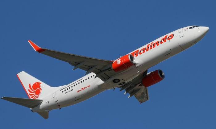 WinNetNews.com - Malindo Air akan menjadi maskapai pertama yang mengoperasikan pesawat Boeing 737 MAX dalam layanan penerbangan komersial. Hal tersebut diumumkan operator penerbangan Lion Air Group yang berbasis di Malaysia itu, Selasa (21/3), dalam pergelaran Langkawi International Maritime and Exhibition