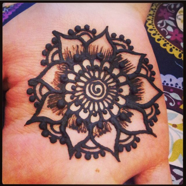 Mehndi Henna Black : Images about henna tattoo art on pinterest