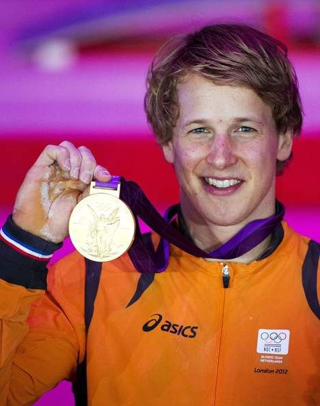 This is a picture of Epke Zonderland. Epke has won a golden medal at the Olympics in 2010. He is found to be a hero by many people.