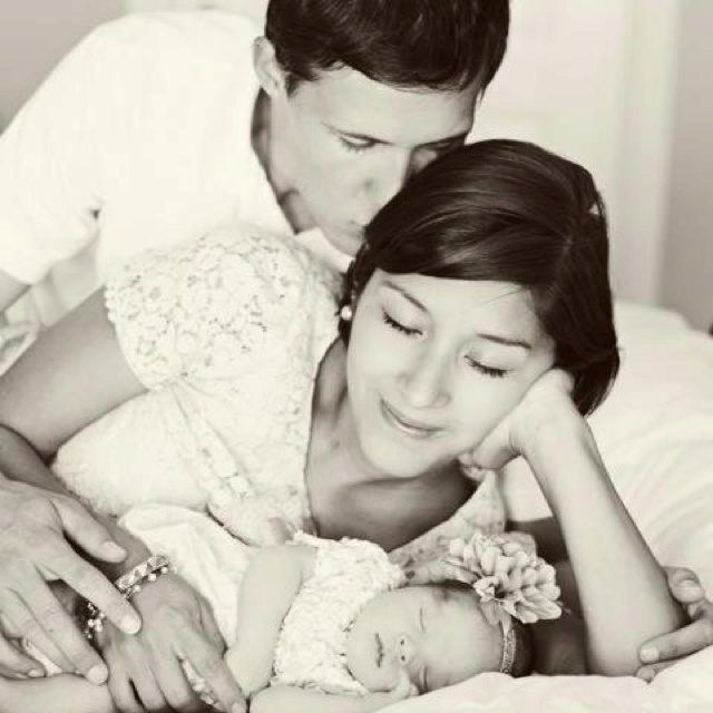 I love this newborn family picture cindy archer photography newborn pics pinterest