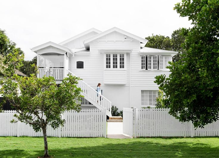Est Editor at Large Sian MacPherson shares a look at her Queenslander reno completed in just eleven weeks, with some help from our friends at Laminex.
