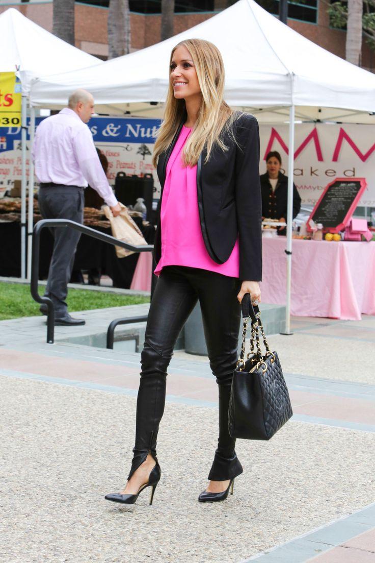 Pregnant Kristin Cavallari glows in Pink