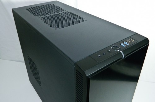 The Swedes aren't just good at meatballs and chefs. They make a great case too. Check out our review of their new Define R4 chassis! - http://www.futurelooks.com/fractal-designs-define-r4-atx-computer-enclosure-reviewed/