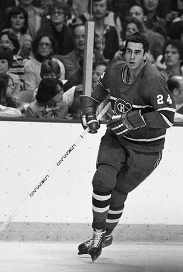 Gilles Lupien : Après quatre saisons juniors dans la Ligue de hockey junior majeur du Québec, Lupien est sélectionné en 1974 par les Canadiens de Montréal. Il débute sa carrière professionnelle avec le club-école des Canadiens, les Voyageurs de la Nouvelle-Écosse dans la Ligue américaine de hockey et y passe quatre saisons.  Évoluant au poste de défenseur, Lupien entreprend sa carrière avec le tricolore au cours de la saison 1977-1978.
