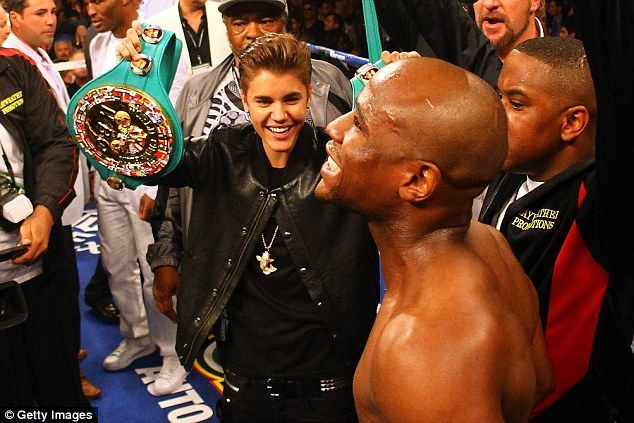 Justin Bieber Gets Boxing Tips from Floyd Mayweather - Kupdates - Latest News and Updates