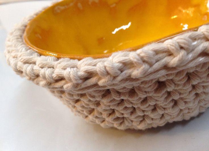 A.Matusik- Ceramiczna miseczka i bawełniany sznurek