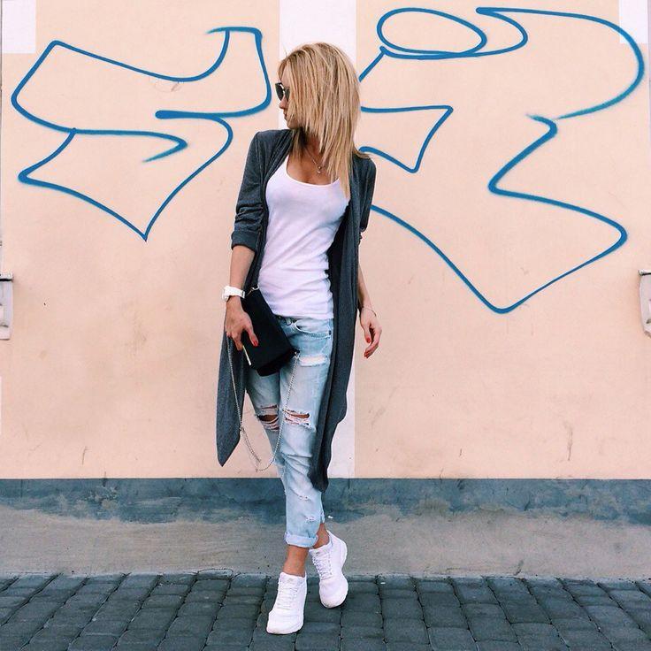 Нравятся всякие накидки, жилетки, джинсовки на простых вещах