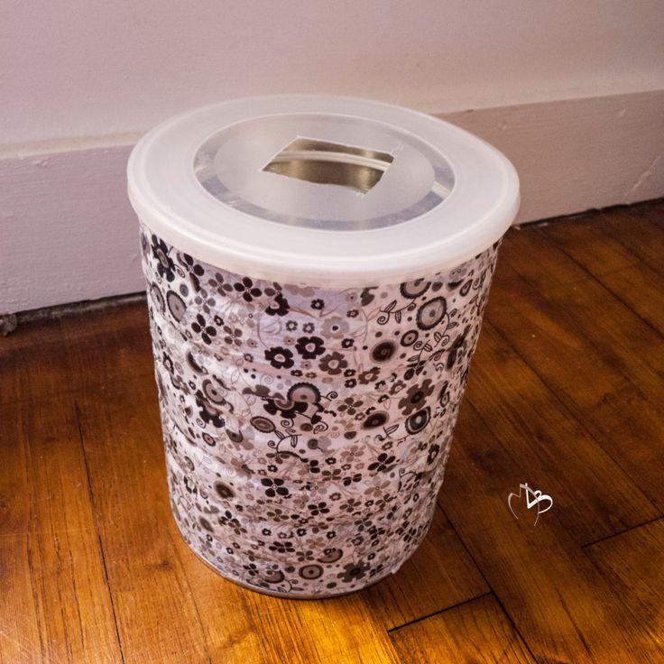 boite de lait bébé - poubelle salle de bain diy