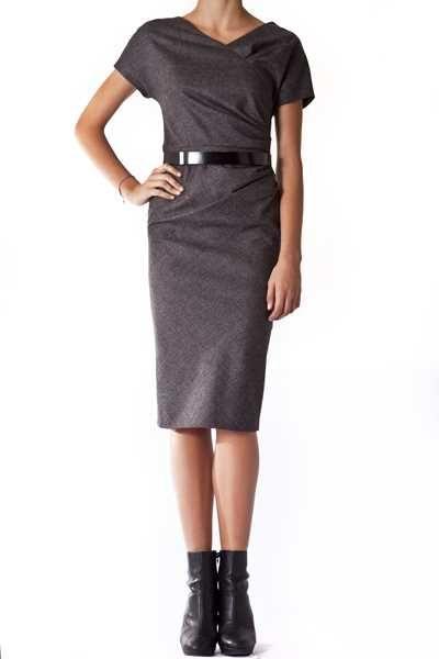 http://www.vittogroup.com/prodotto/christian-dior-paris-vestito-grigio-cintura/