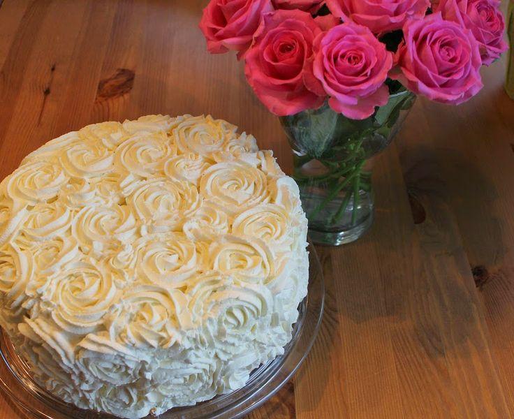 Silmukoita ja suklaakakkua: Ruusuja äidille