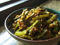 Yes, about that stunner gavar recipe. I never cared much for these beans. It may have something to do with the name - in Hindi the word also means 'a country bumpkin'. But this summer I went from d...