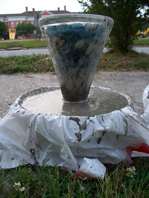 Glass vase used for a mushroom stem how to make concrete - Concrete projects for the garden ...