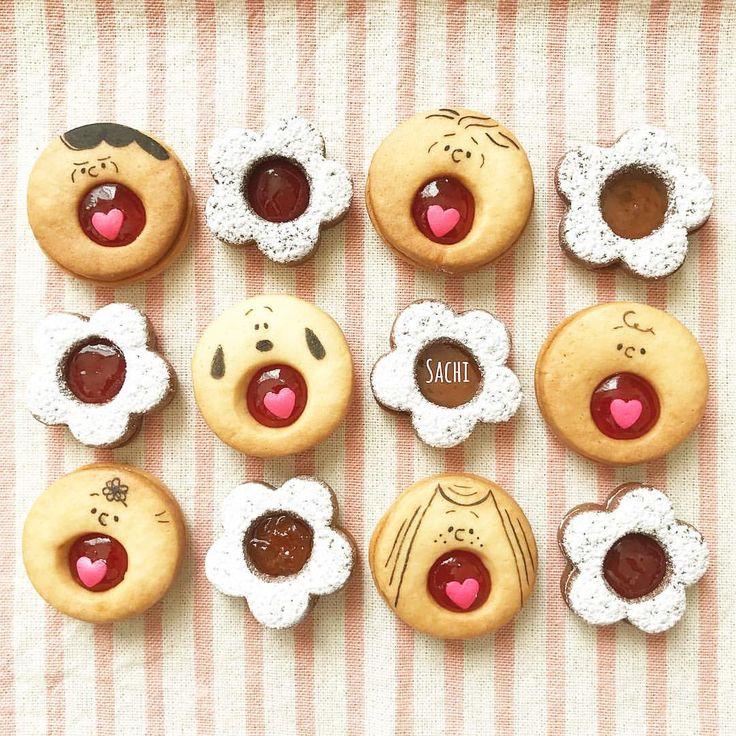 ¨̮♡︎ こんにちは☀︎ ⁑ 今日のおやつは #ジャムサンドクッキー お口あーんの#あーんクッキー に ココアのお花クッキー♡ ⁑ クッキー焼きながら布団を干してたら 焼きすぎちゃったー ガングロちゃんww ⁑ ⁑ 明日から子どもたち冬休み☻☻ #手作りおやつ#簡単おやつ#おやつ#スイーツ#クッキー#キャラフード#キャラクッキー#スヌーピークッキー#スヌーピー#おうちごはん#デリスタグラマー#クッキングラム#ママリ#homemade #homemadesweets #sweets #homebaking #cookie #food #delistagrammer #lin_stagrammer #locari_kitchen #snoopy #peanuts