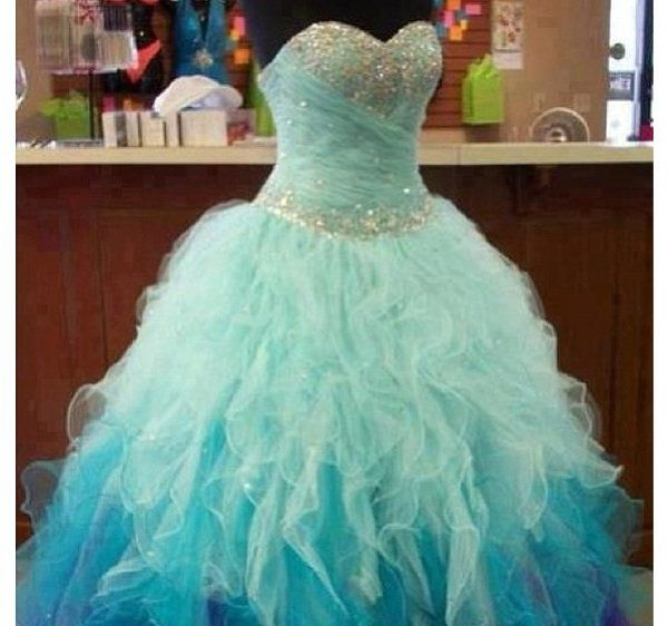 robe de bal de promo recherche google robe pinterest bal de promo robe de bal et robe de. Black Bedroom Furniture Sets. Home Design Ideas