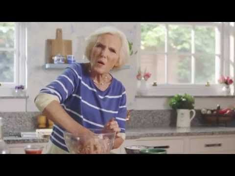 Mary Berry's Meatballs in Tomato Sauce (The Herb Garden) - YouTube