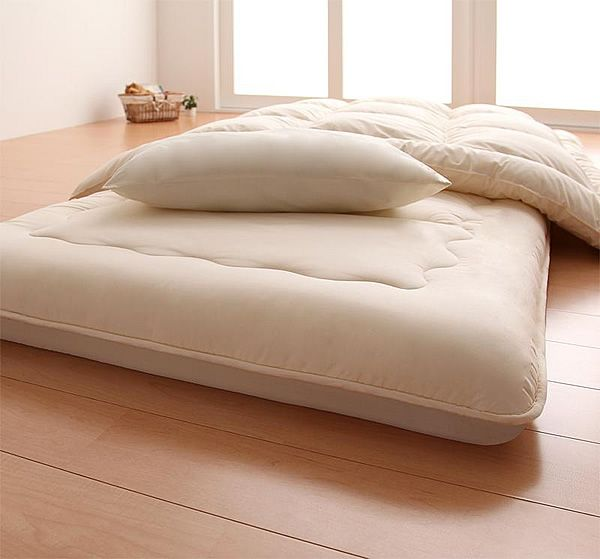 The Shikifuton can be used directly on the floor. Shown here with custom creme colored cover.