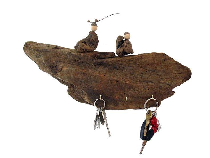 Schlüsselbrett aus Treibholz mit Wichteln