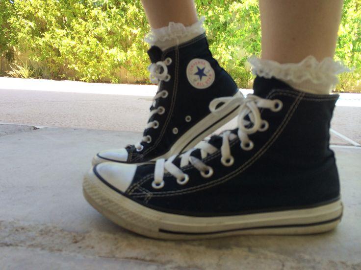 Ruffle socks w/ converse