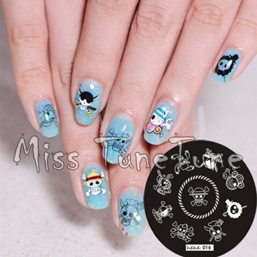 Just in to our Accessories collection! Kawaiiiii :3  One Piece Skull Pirate Nail Art Stamp