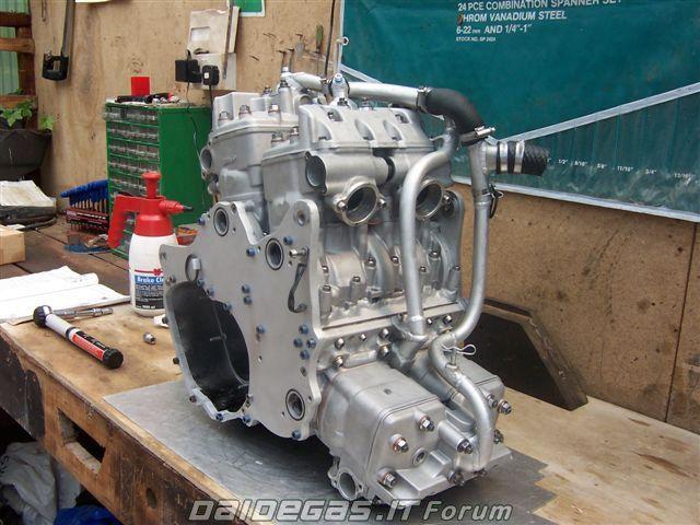 Comotor RG750 Delta Six - Suzuki RG750 6 cylinders 2 strokes - BerTTon Romania