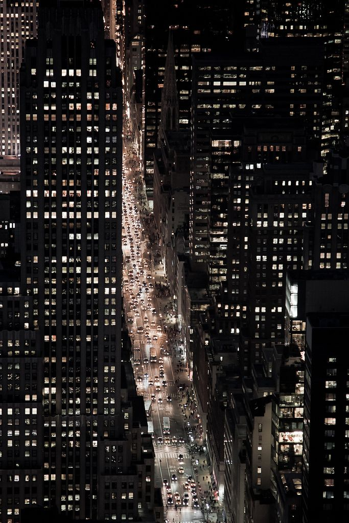 NYC. 5th Avenue at night