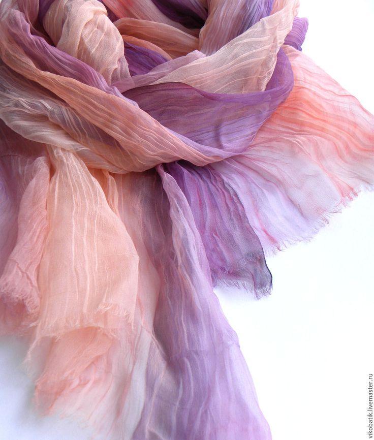 Купить Весенний шарф палантин персиковый сиреневый батик шелковый шифон 100% - шарф палантин