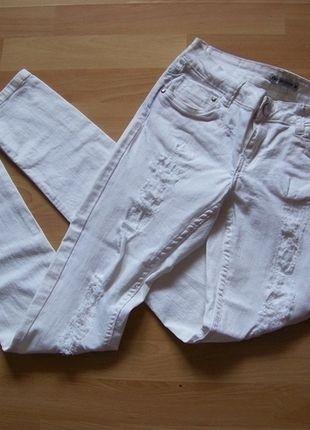 Kup mój przedmiot na #vintedpl http://www.vinted.pl/damska-odziez/rurki/12670767-biale-spodnie-rurki-z-dziurami